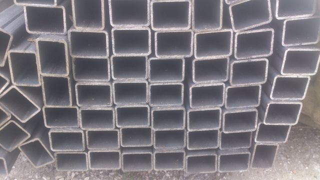 40x30x2mm Profil zamknięty / rura prostokątna/ kształtownik L6m