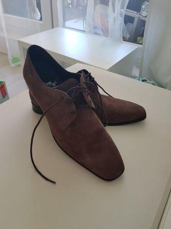 Skórzane zamszowe pantofle 44