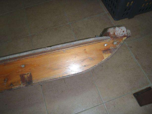 Trenó de madeira I
