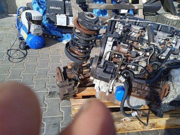Продам мотор з коробкою Сітроен берлінго 2.0hdi