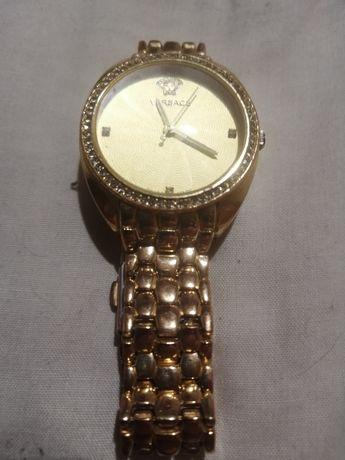 Продам часы версачи