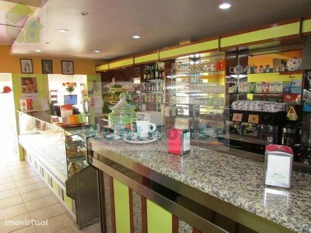 Café, Pastelaria e fabrico próprio