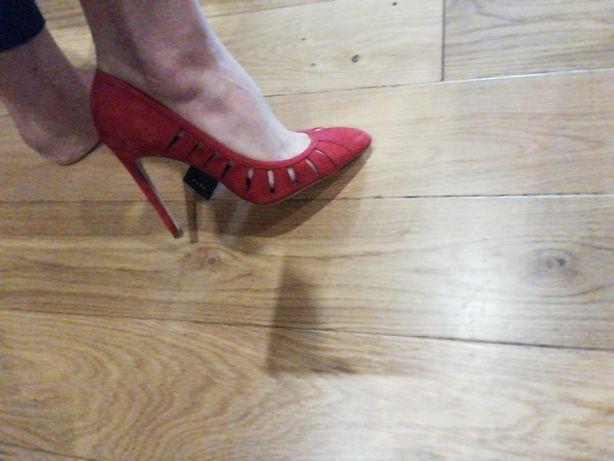 Szpilki czerwone Zara 38,5 nowe ażurowe