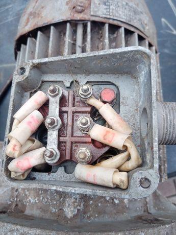 Электродвигатель 1,3кВт.
