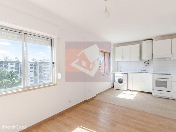 Apartamento T3 renovado na Rinchoa, Rio de Mouro