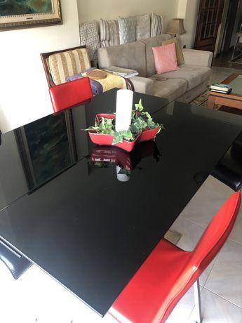 Mesa de jantar extensivel de vidro preto e 6 cadeiras