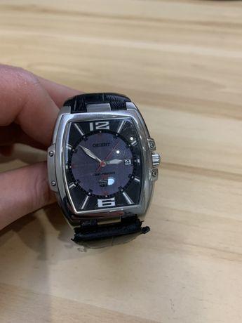 Продам часы Orient light powered 4000