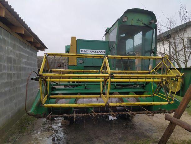 Продам зерно збиральний комбайн Volvo s830