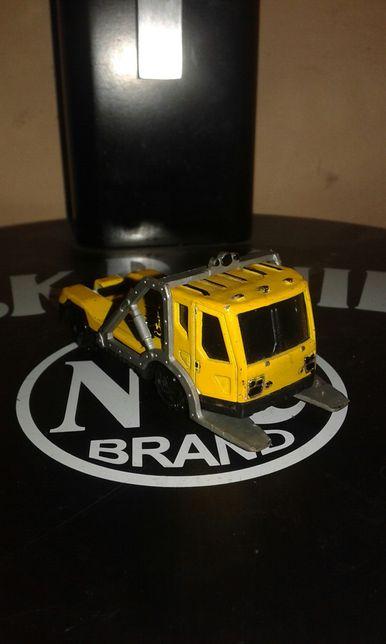 Matchbox trach truck model