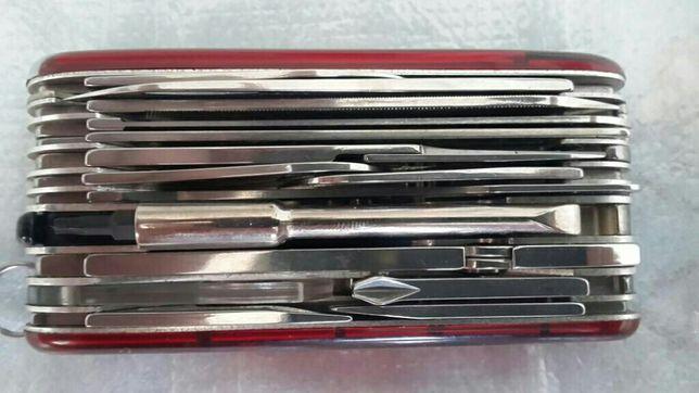 Victorinox офицерский нож SwissChamp XLT 91, прозрачный красный
