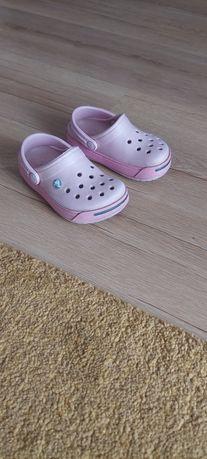 Sandaly klapki Crocs rozmiar 22/23 długość wkładki 13,5cm.