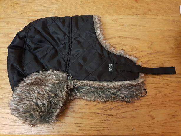 Продам зимнюю детскую шапку- ушанку б/у