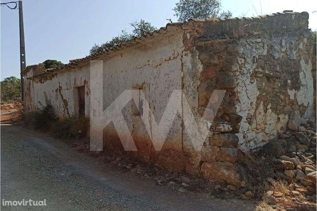 Ruina e Terreno em Loulé