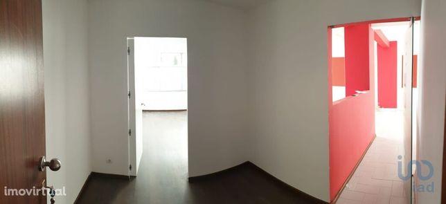 Loja - 92 m²