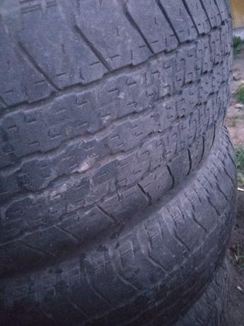 Bridgestone dueller 265/65R17 112s