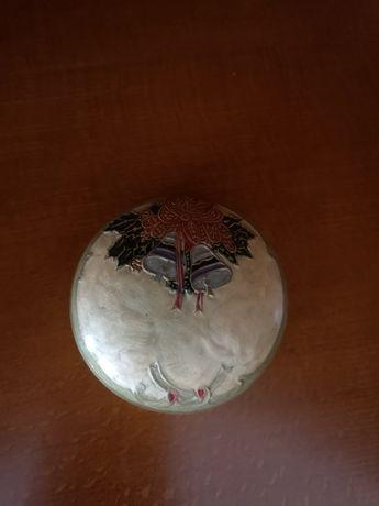 Taça metal com tampa