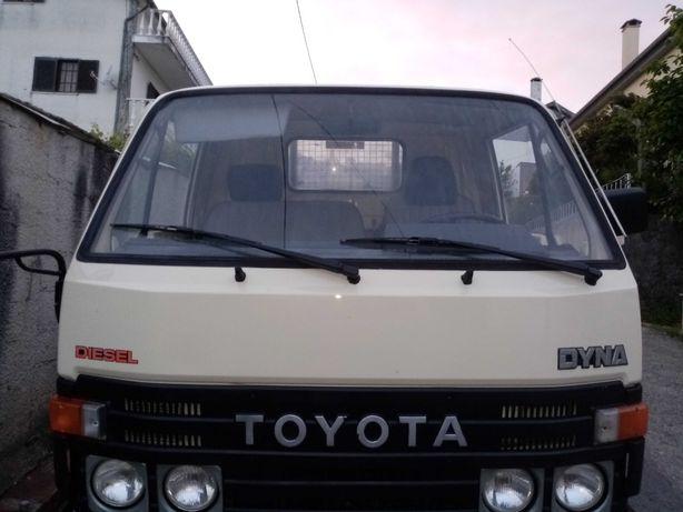 Carrinha Toyota Dyna