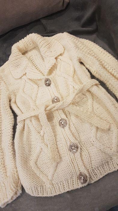 Ciepły sweter zapinany gruby splot ecru Gdynia - image 1
