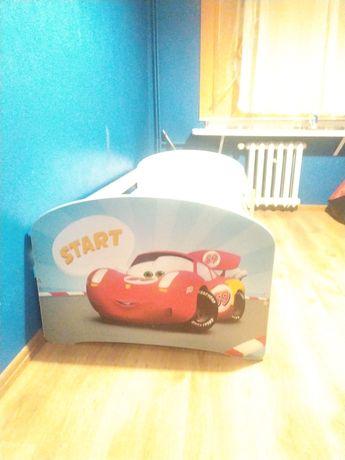 Łóżko 80x 160 dziecięce z materacem i szufladą na pościel.