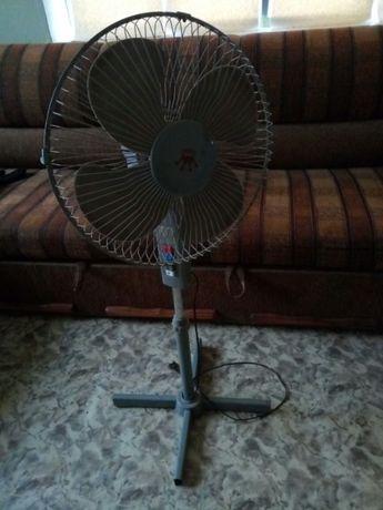 Продается вентилятор напольный в хорошем состоянии