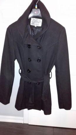 Czarny płaszcz z wysokim kołnierzem s 36