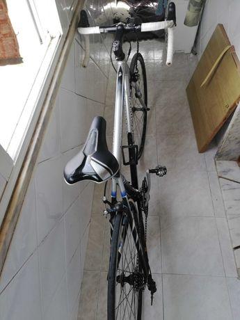 Bike de estrada bom estado