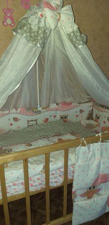 Защита в кроватку,постельный комплект,балдахин.