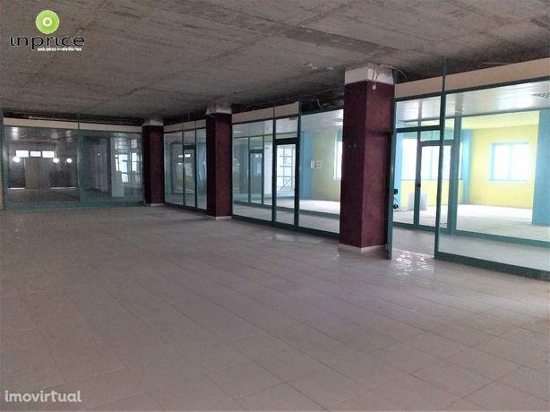 LOJA Edificio Palmeiras Carregado