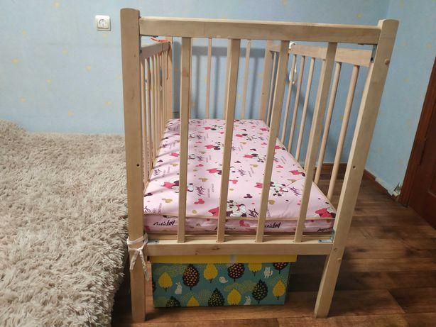 Детская кроватка и матрасик + пеленальная доска в подарок