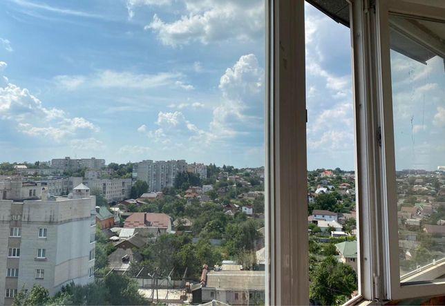 Просторная 3-х комнатная квартира в Центре города р-н Петропавловской