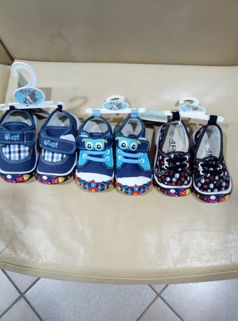 Кросовки, макасины, сменная обувь 21 размер,  новые