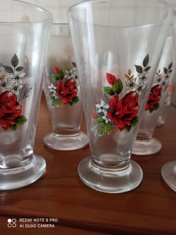 Conjunto de copos antigos