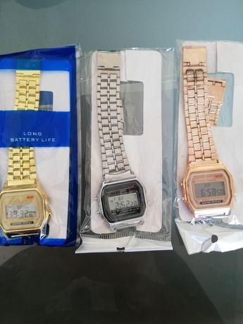 Relógios digitais novos