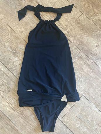 Triumph strój kąpielowy czarny ze spodnica jednoczesciowy