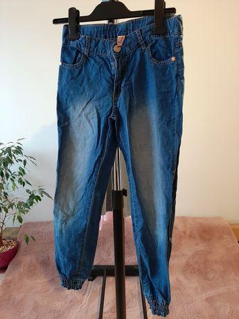 Spodnie dżinsowe rozm 140