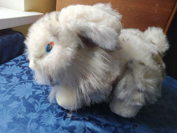 Мягкая игрушка - большой кролик