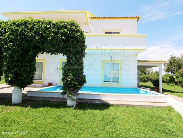 Moradia T6 com piscina, jardins e barbecue em Altura, Alg...