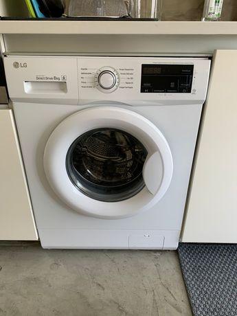 Maquina de lqvar roupa - basicamente novo