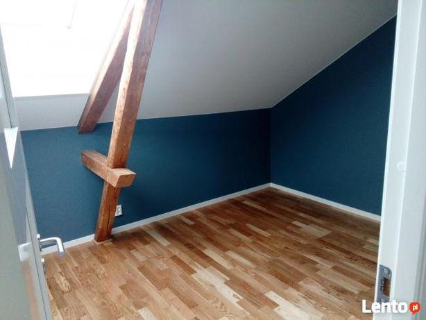 Układanie montaż paneli podłogowych deski barlineckiej, malowanie.