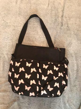 Czarna torba do szkoły
