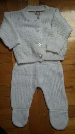 Dzianinowy komplet dla dziewczynki, sweterek i polpajac rozmiar 62