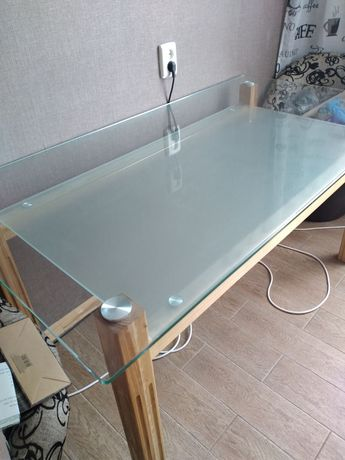 Стол кухонный,обеденный,стеклянный