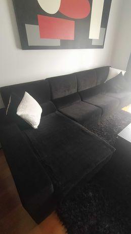 Sofá com chaise Preto