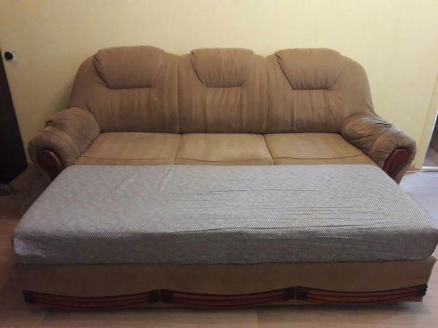Продам диван хорошо моется