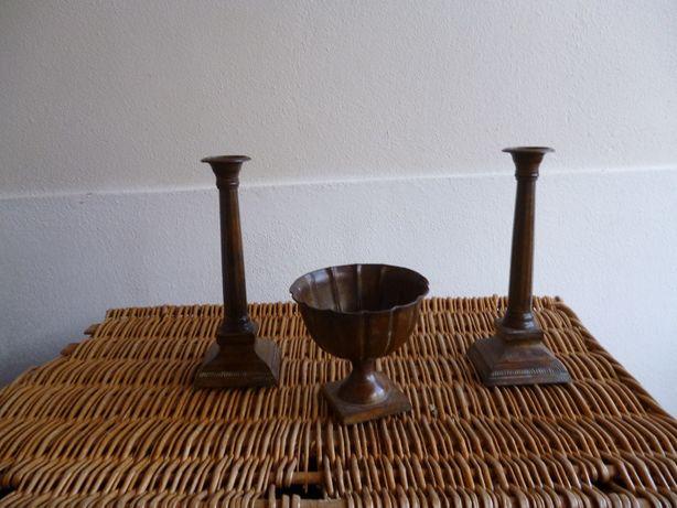 Conjunto de 2 Castiçais e taça gomada em metal made in Índia