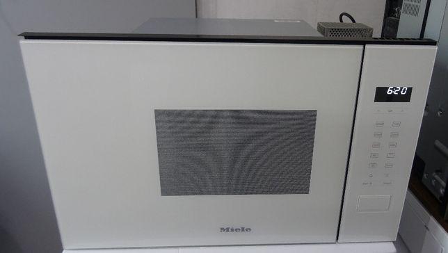 Mikrofalówka do zabudowy Miele M 2234 SC, użyta jeden raz, 17L