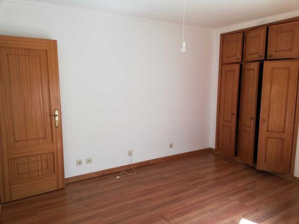 Apartamento T1 para Investidor - Oliveira de Azeméis