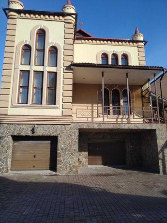 Прекрасный дом в центре Боярки