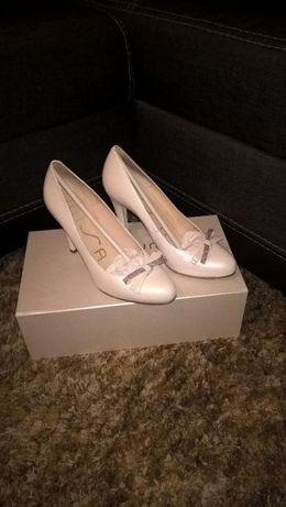 buty ślubne Unisa r.37 perłowe/ivory platforma