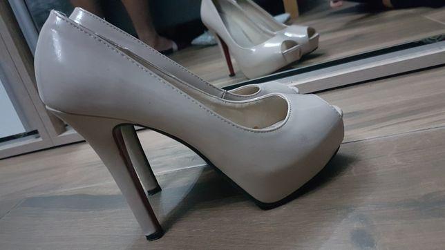 Buty czółenka pantofelki